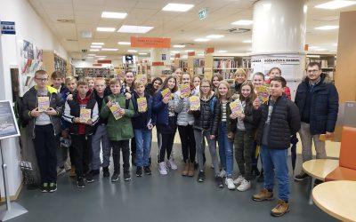 Učenci 7. i na obisku v Knjižnici Domžale